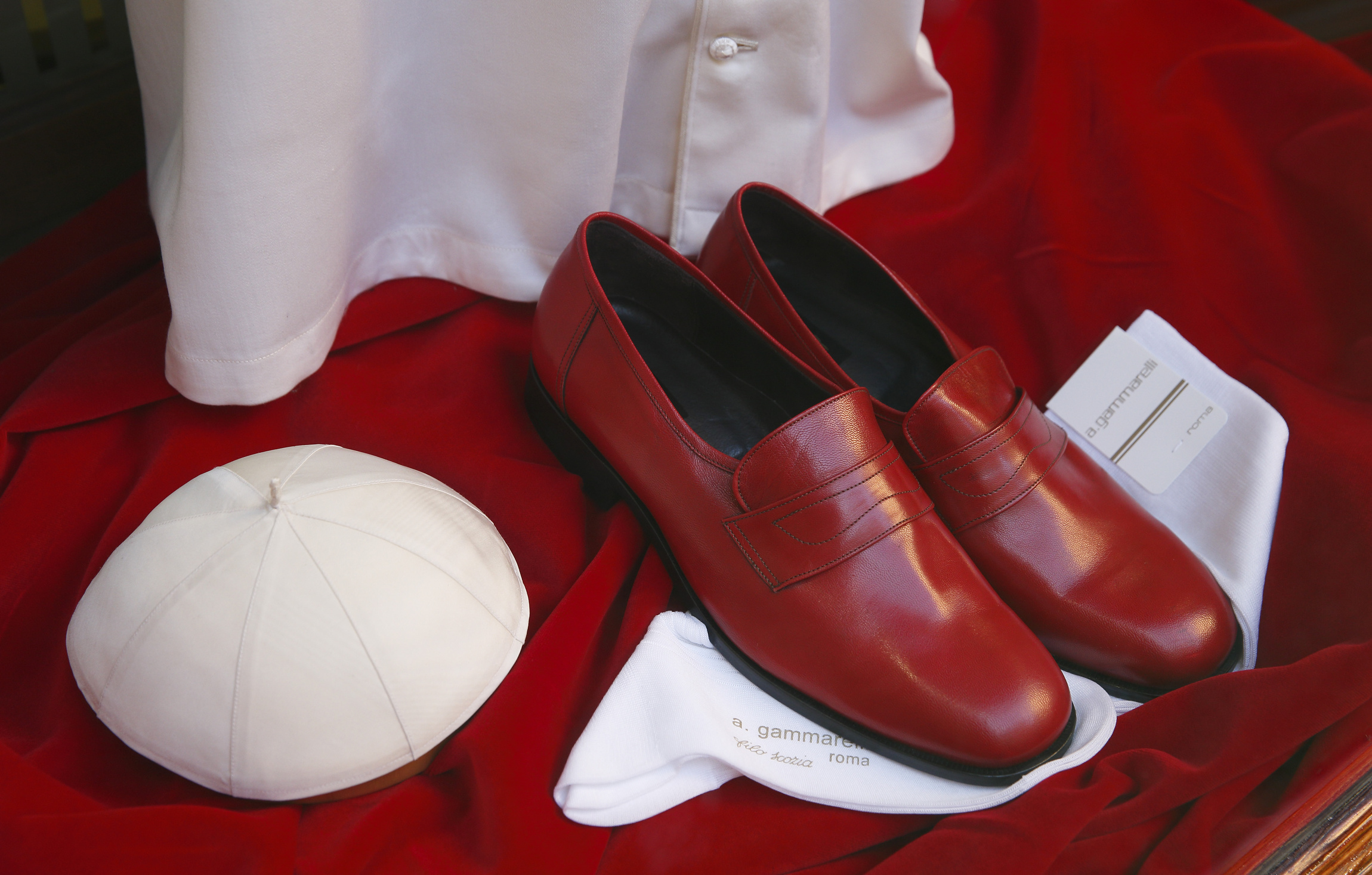 It's fitting time: Papal tailors ready no matter the size of new ...