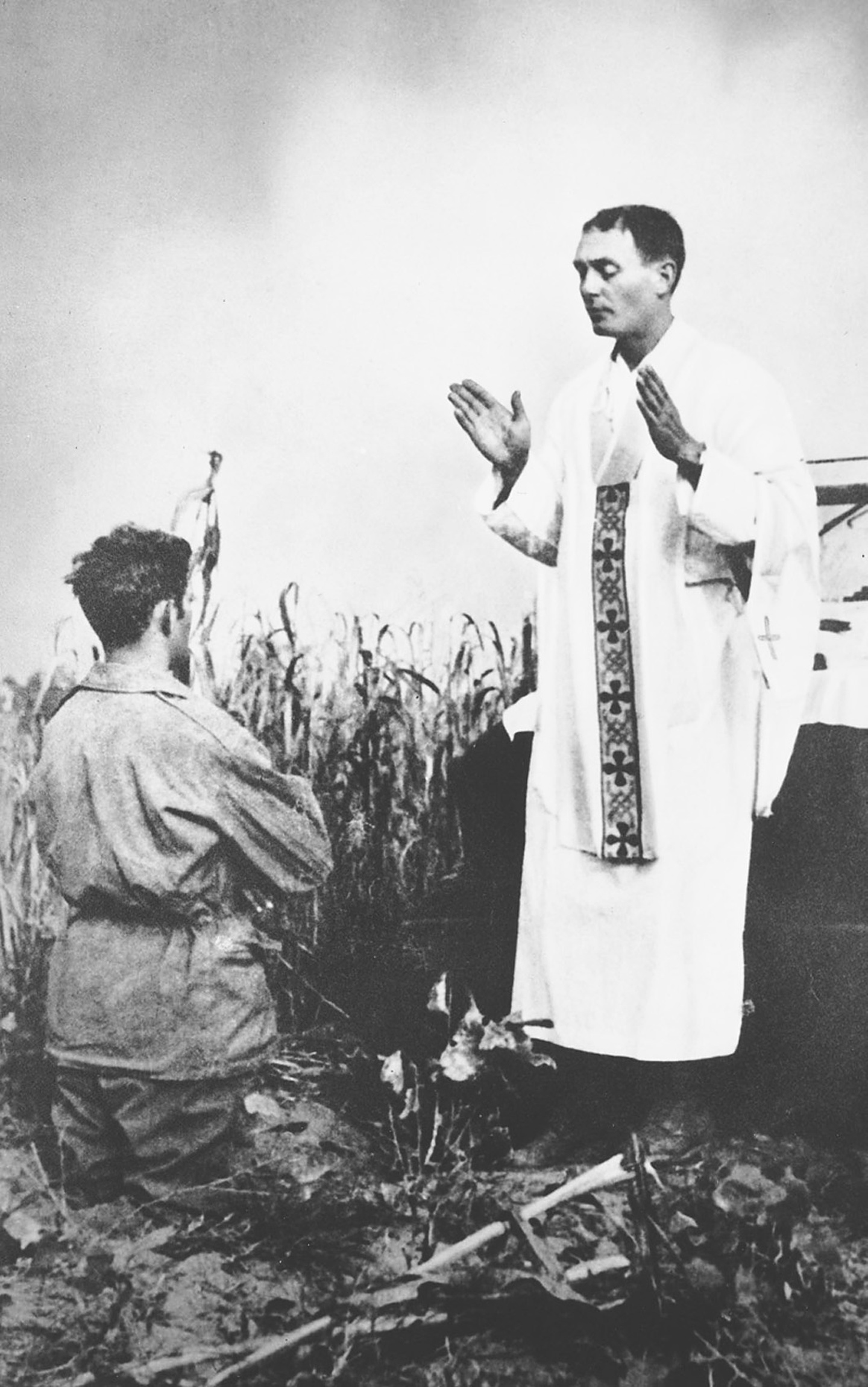 Priest who died serving as chaplain in Korean War to be awarded Medal of Honor
