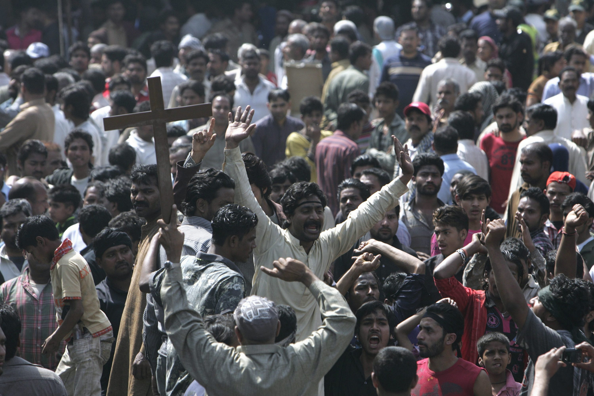 Pakistani Christians protest after attacks in Lahore