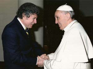 Doylestown, Bucks County, resident Jorge Fernandez meets Pope Francis at the Vatican during a visit with Latino leaders April 7-12, 2013. (Photo by L'Osservatore Romano used by permission)