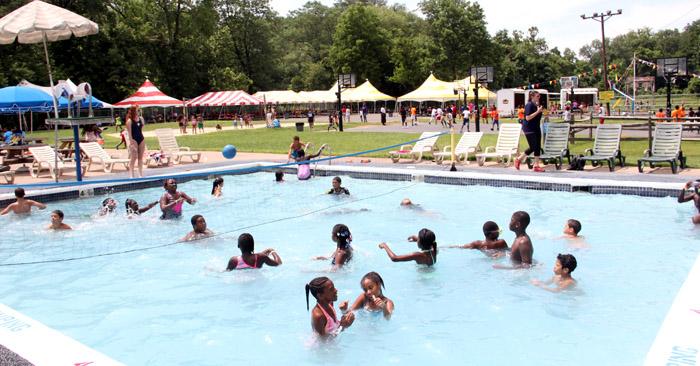 Kids Enjoy Picnic Hosted By Catholic Social Services Catholic Philly