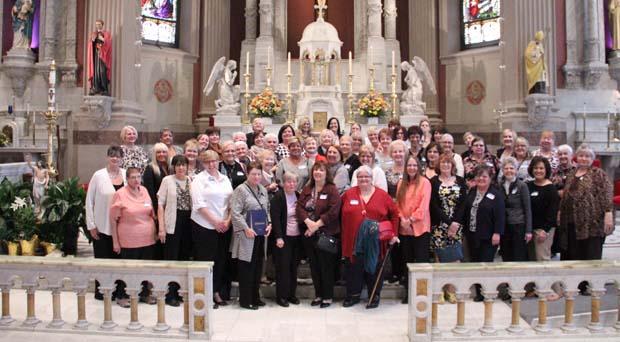 The alumnae group at St. Peter's Church, Philadelphia. (Sarah Webb)