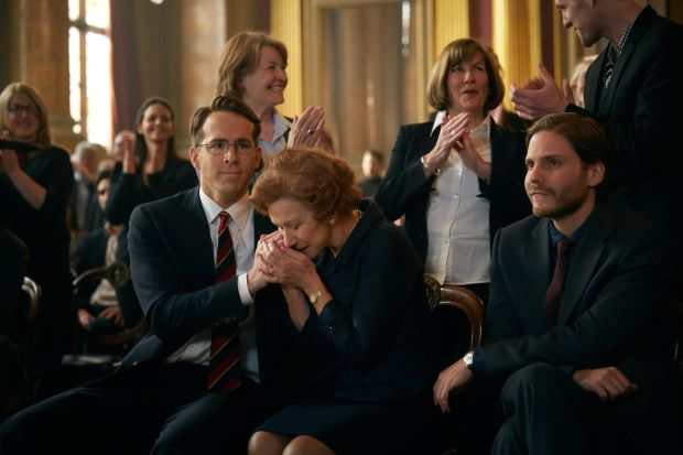 "Ryan Reynolds, Helen Mirren and Daniel Bruhl star in a scene from the movie ""Woman in Gold."" (CNS photo/Weinstein)"