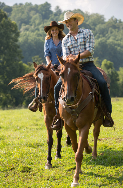 "Britt Robertson (left) and Scott Eastwood star in a scene from the movie ""The Longest Ride."" (CNS photo/Fox)"