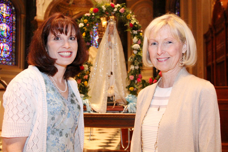 May queens Amy Small and Patricia Cunningham