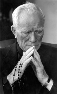 Father Peyton is pictured in an undated photo. (CNS photo/Family Theater Productions)