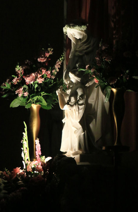 All lights are off except for the light illuminating the St Anne statue