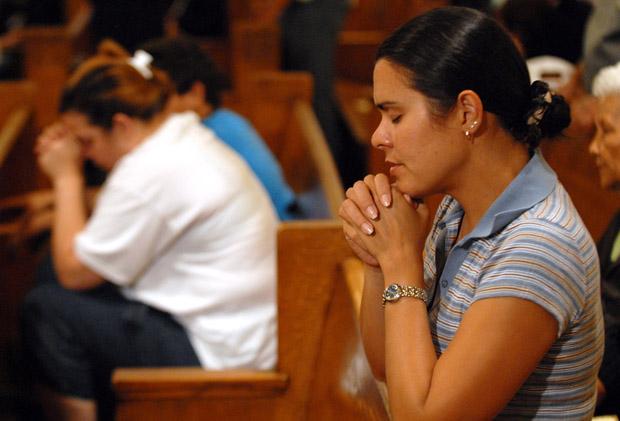 (CNS file photo/Mike Crupi, Catholic Courier)