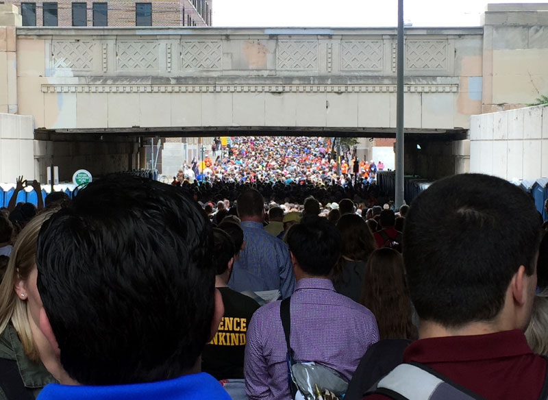 The line at 21st went as far back as JFK Blvd from the Parkway just to get through the security checkpoint.Photo by Sarah Webb