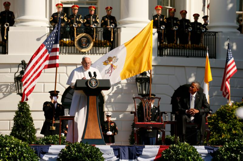 Pope Francis addresses U.S. President Barack Obama and guests during a welcoming  ceremony on the South Lawn of the White House in Washington Sept. 23. (CNS photo/Paul Haring) See POPE-WHITE-HOUSE Sept. 23, 2015.