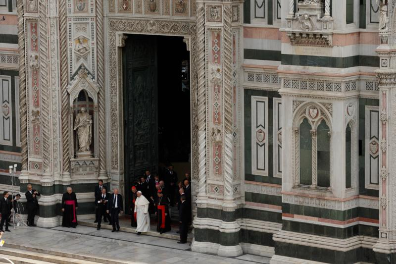 Pope Francis leaves the Duomo, the Cathedral of Santa  Maria del Fiore, in Florence, Italy, Nov. 10. Pope Francis attended a meeting of Italy's bishops and cardinals in the Duomo during a one-day visit to Florence Nov. 10. The pope also met young people and was to celebrate Mass at a soccer stadium. (CNS photo/Paul Haring)