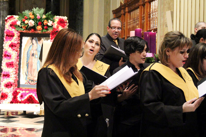 The Philadelphia Hispanic Choir fills the Cathedral with their beautiful voices.