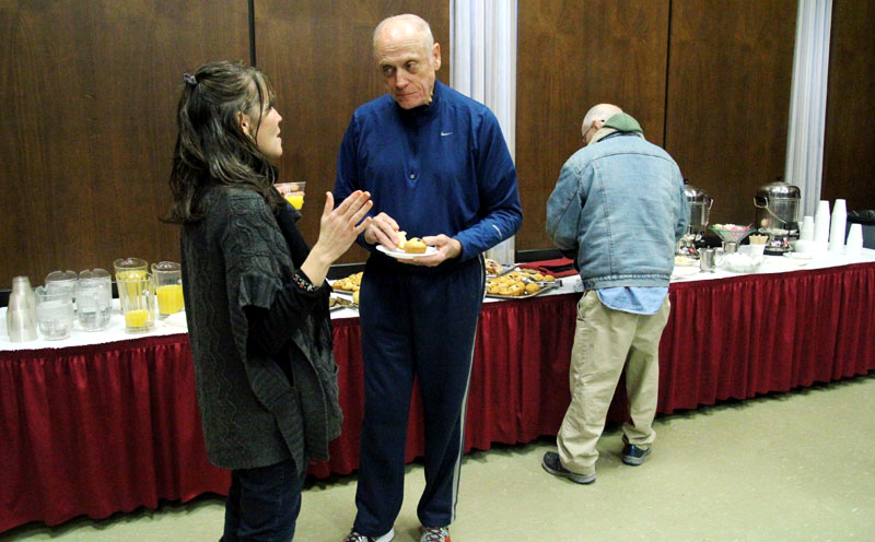 Edel Finnegan, executive director of the ProLife Untion of Greater Philadelphia, chats with Barry Kirsch of St Agnes Parish in West Chester.