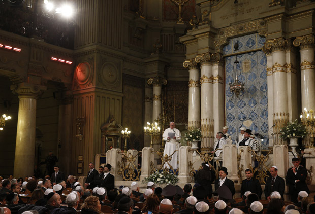 Pope Francis speaks as he visits the main synagogue in Rome Jan. 17. (CNS photo/Paul Haring)