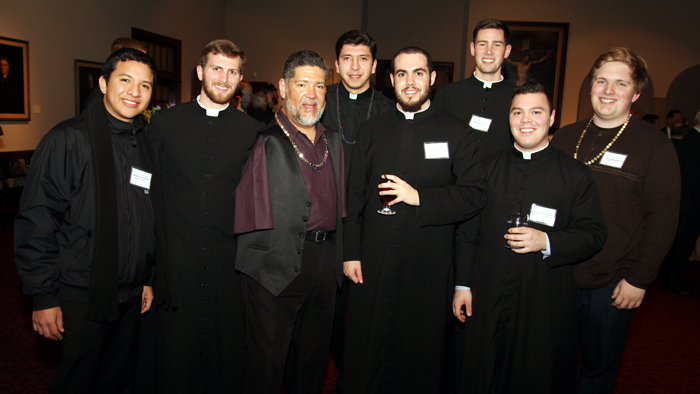 Tony Melendez, keynote speaker at Serra Club's benefit at Saint Charles Borremeo Seminary, enjoyed meeting seminarians during the Serra Club's benefit. (Photos by Sarah Webb)