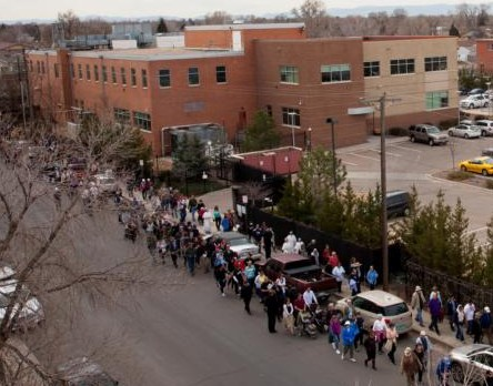 A group of 1,800 Catholics tkae part in a eucharistic procession around Planned Parenthood in Denver March 5. (CNS photo/Andrew Wright, Denver Catholic) See AQUILA-PRAYERS-PLANNED-PARENTHOOD March 10, 2016.