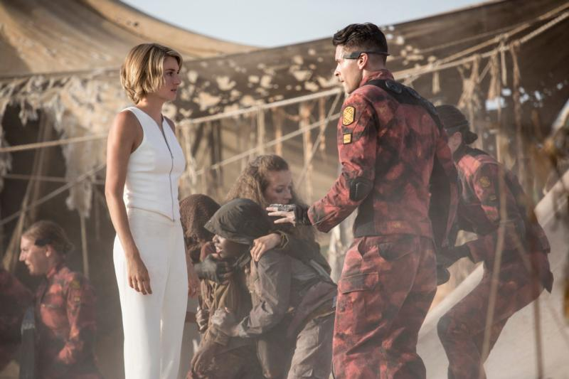 """Shailene Woodley and Andy Bean star in a scene from the movie """"The Divergent Series: Allegiant."""" (CNS photo/Lionsgate)"""