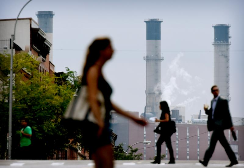 The East River Generating Station in New York City is seen in this Aug. 11, 2015, file photo. The U.S. has deposited $500 million of the $3 billion it pledged to the United Nations' Green Climate Fund during the December Paris climate talks. (CNS photo/Justin Lane, EPA)
