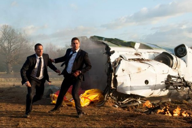 "Gerard Butler and Aaron Eckhart star in a scene from the movie ""London Has Fallen.""(CNS photo/Focus Features)"