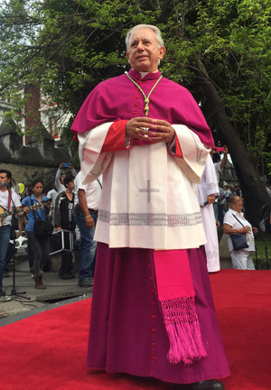 Bishop Ramon Castro Castro of Cuernavaca, Mexico, arrives May 21 at the cathedral leading a march for peace May 21 in the central Mexican city. (CNS photo/David Agren)