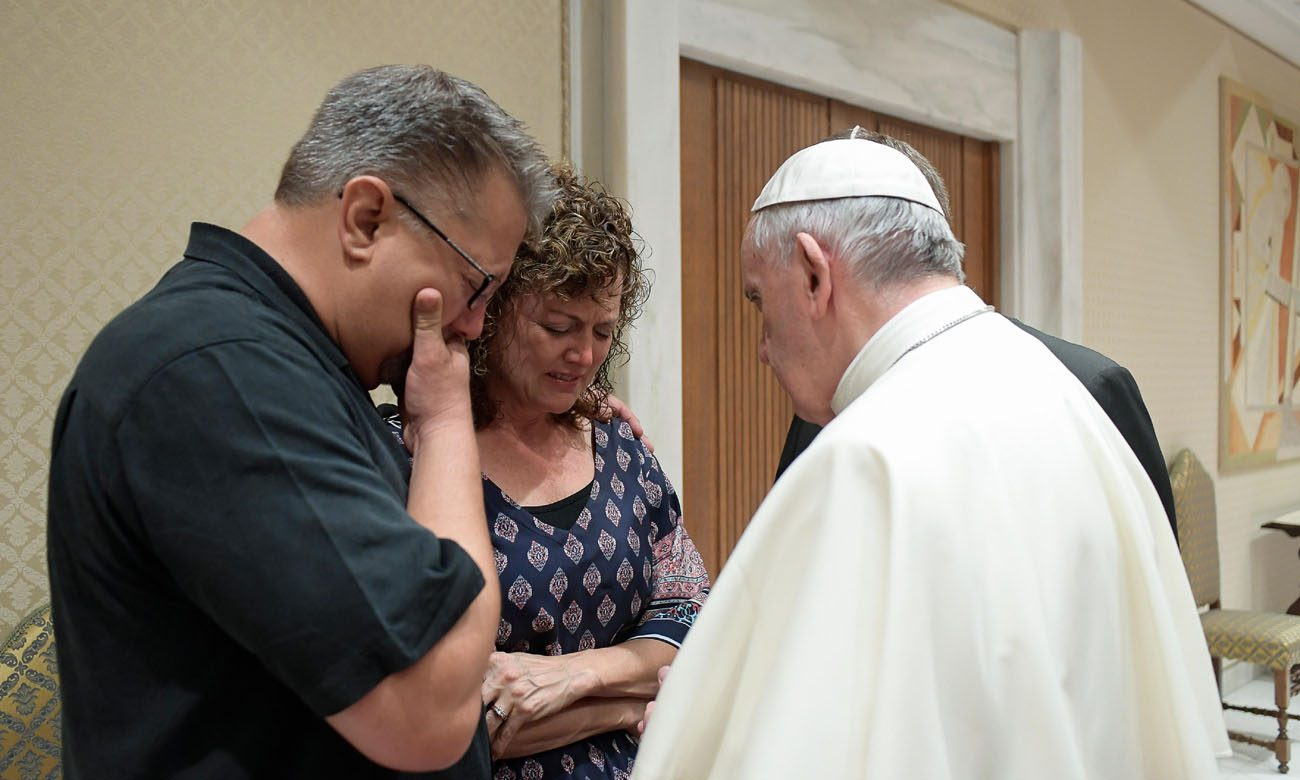 Pope Francis meets with Nick and Jodi Solomon, parents of U.S. student Beau Solomon, during a private meeting at the Vatican July 6. Solomon, a native of Spring Green, Wis., was found dead in the Tiber River in Rome July 4. A homeless man was detained as a suspect in the death. (CNS photo/L'Osservatore Romano, handout)