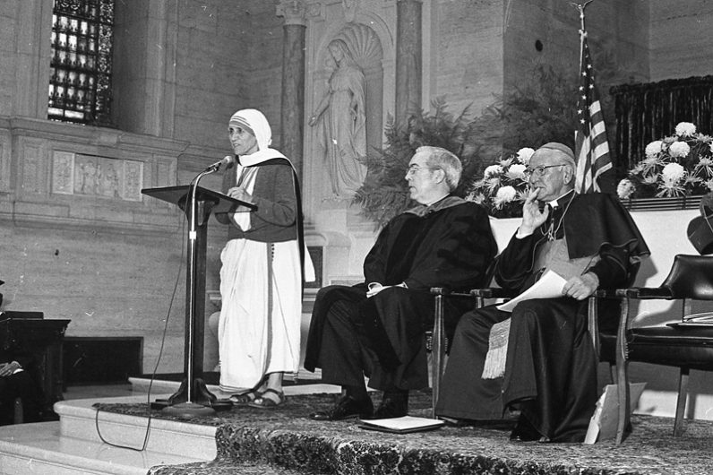 Mother Teresa speaks after accepting an honorary degree from St. Charles Seminary in 1979. (Philadelphia Archdiocesan Historical Research Center, Robert and Theresa Halvey Photograph Collection)
