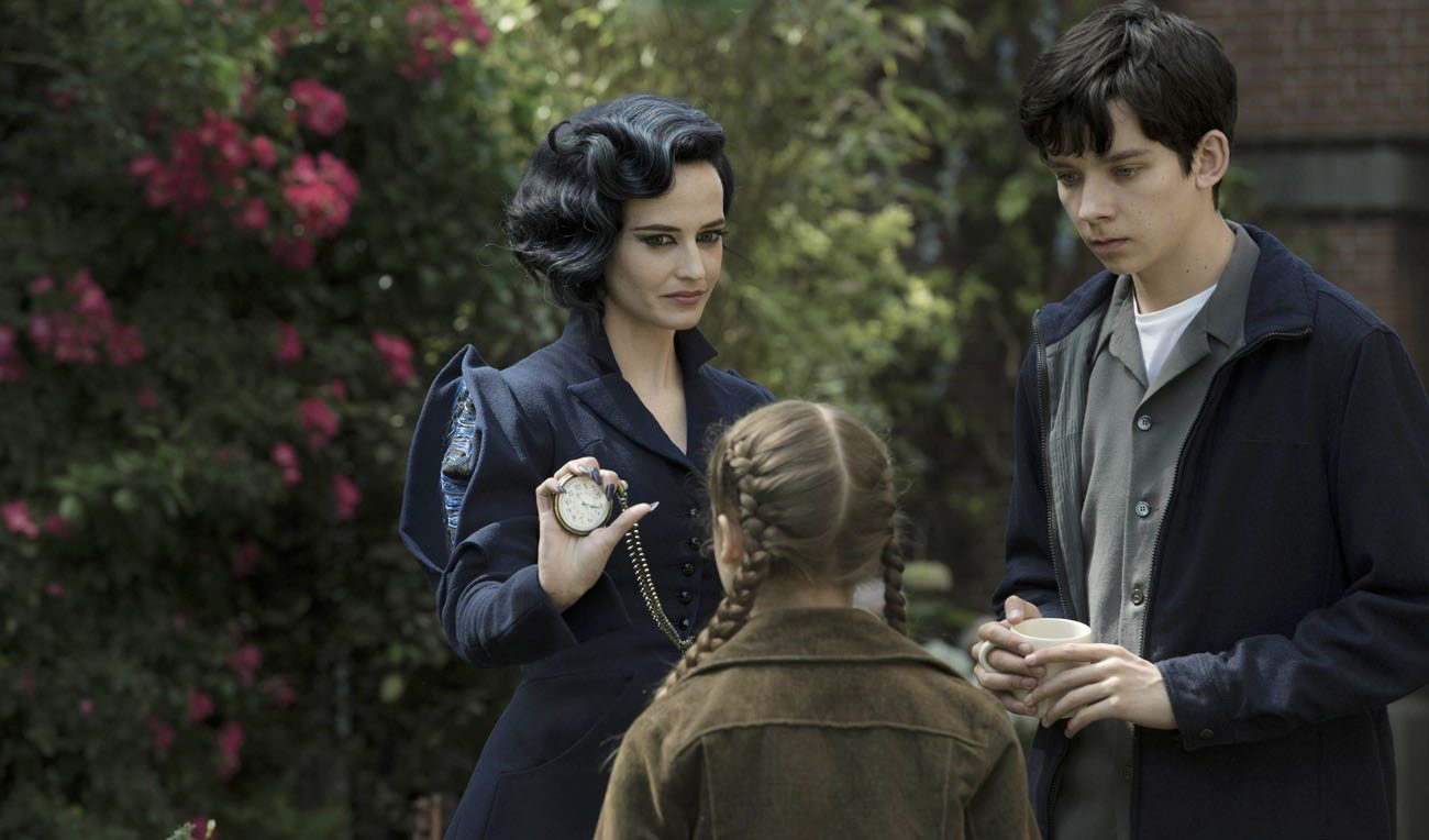 "Eva Green, Asa Butterfield and Georgia Pemberton star in a scene from the movie ""Miss Peregrine's Home for Peculiar Children."" (CNS photo/Fox)"