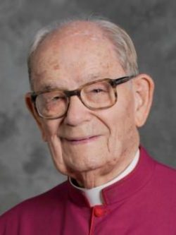 Msgr. Vincent Topper, the oldest and longest-ordained diocesan priest in the country, died Oct. 7 at age 104 at his residence at St. Catherine Laboure Parish in Harrisburg, Pa. He is pictured in a 2011 photo. (CNS photo/Emily M. Albert, The Catholic Witness)
