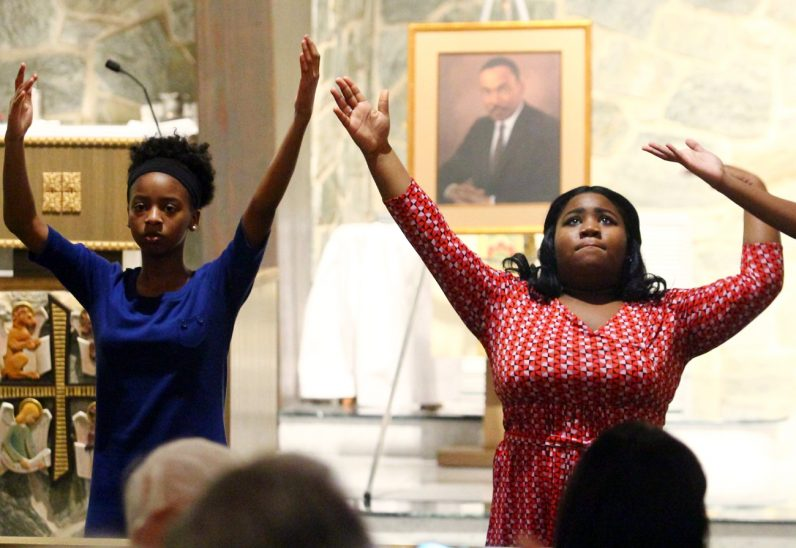 """Immanuel Movement Praise Team performs """"Glory,"""" a selection from """"Selma."""""""