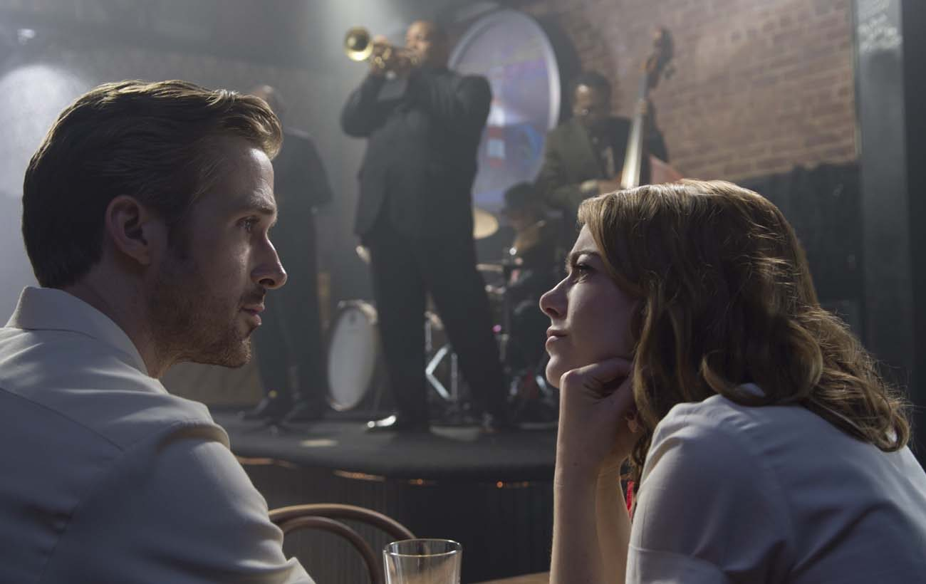 "Ryan Gosling and Emma Stone star in a scene from the movie ""La La Land."" T (CNS photo/Lionsgate)"