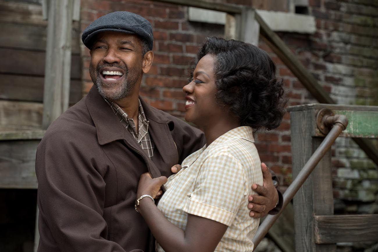 "Denzel Washington and Viola Davis star in a scene from the movie ""Fences.""  (CNS photo/Paramount)"