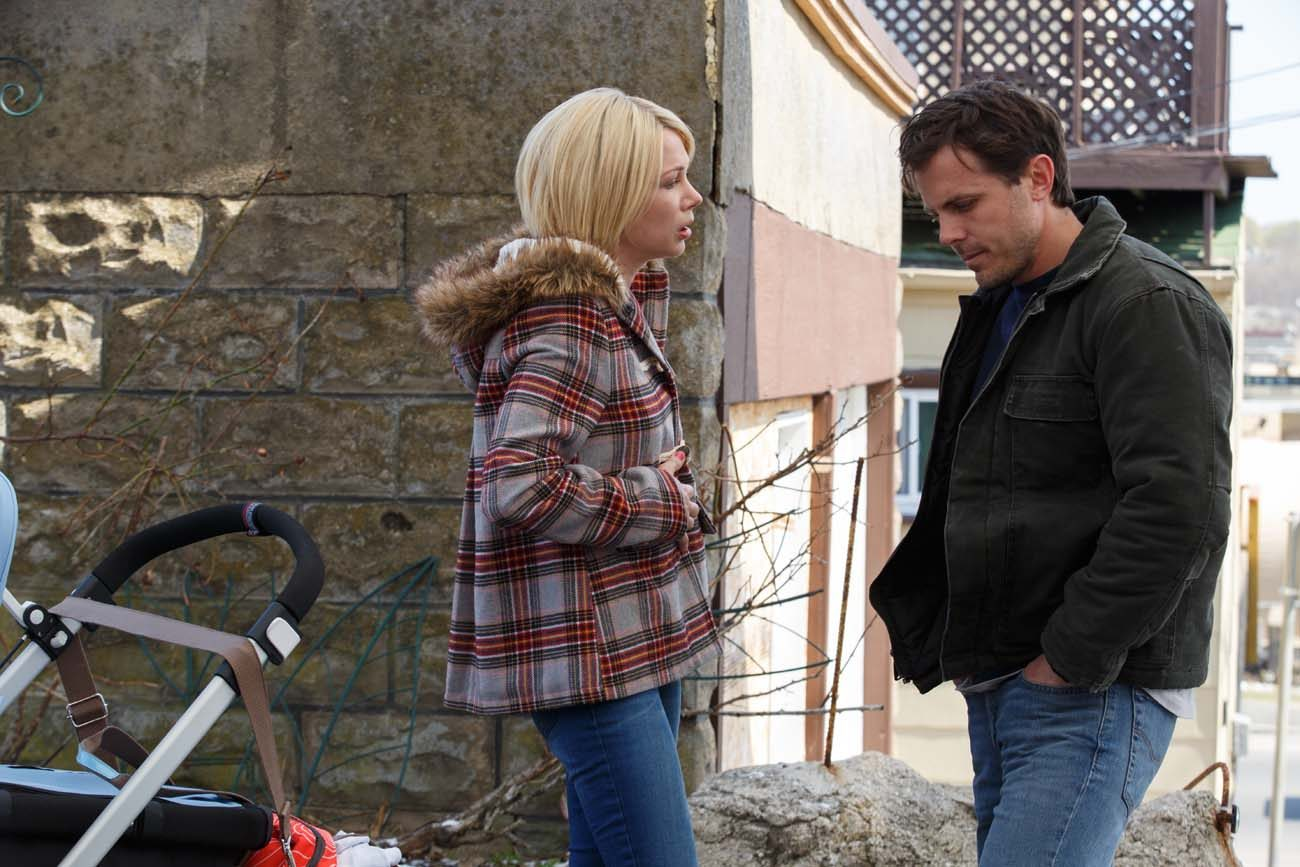 "Michelle Williams and Casey Affleck star in a scene from the movie ""Manchester by the Sea.""  (CNS photo/Roadside)"