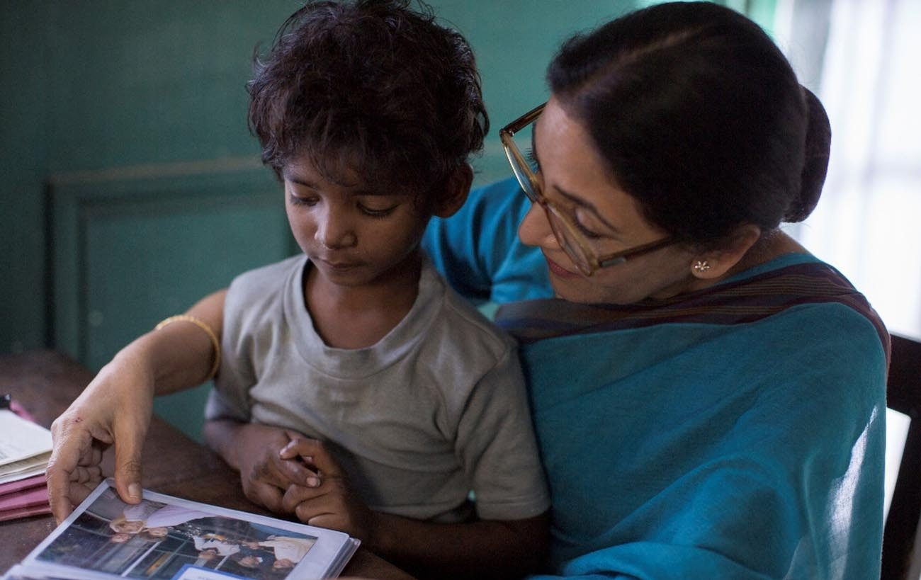 "Sunny Pawar and Deepti Naval star in a scene from the movie ""Lion.""  (CNS photo/The Weinstein Company)"