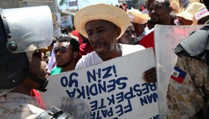 Hundreds protest in Miami over Haitian immigration status