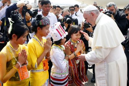 Pope Francis joins prayer service at Suhrawardy Udyan