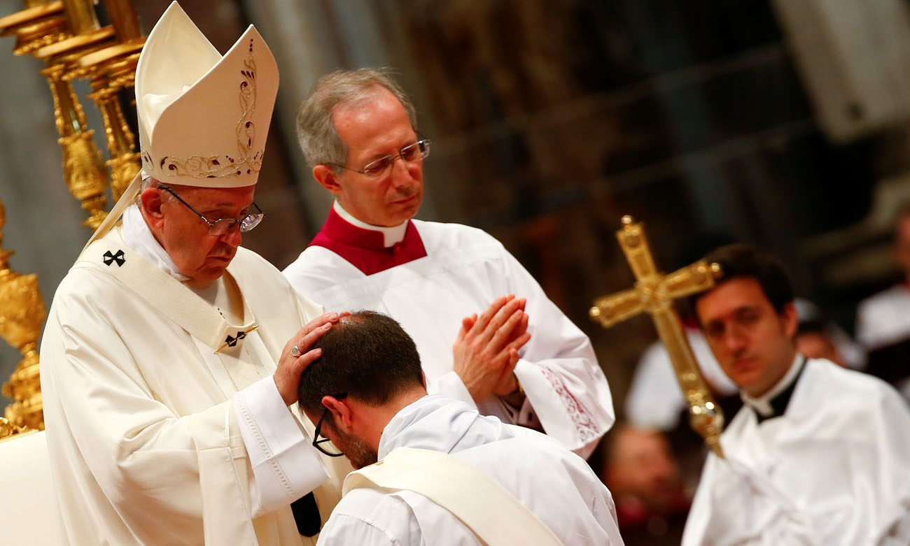 Ordaining new priests pope asks them to be merciful catholic philly ordaining new priests pope asks them to be merciful kristyandbryce Image collections