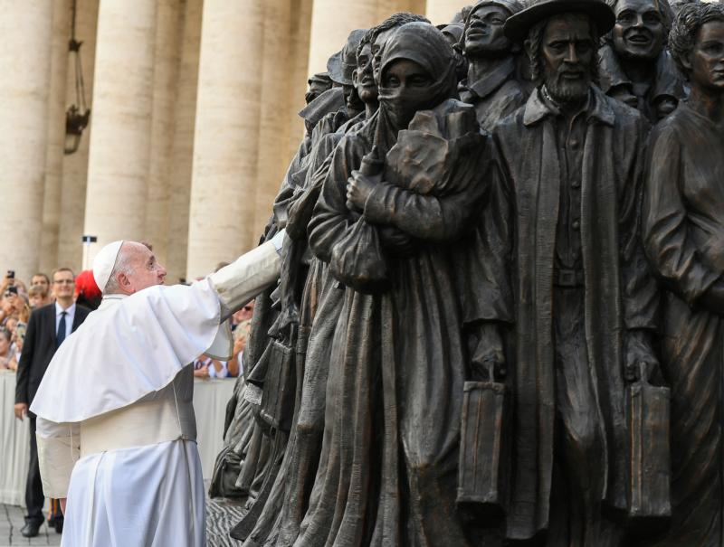 Canadian man's sculpture of refugees unveiled by Pope Francis in Vatican City